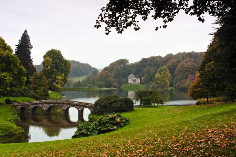 Купить фотообои для стен: Английский парк