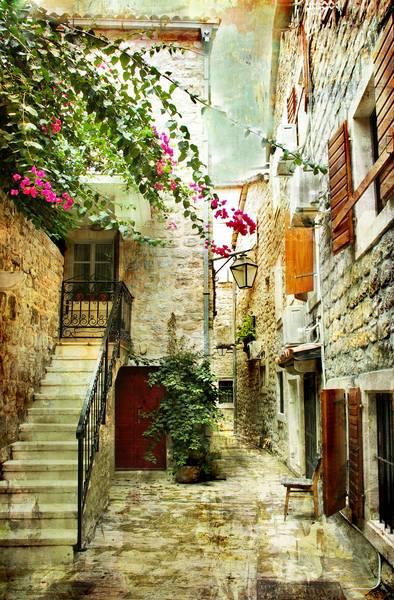 Купить фотообои для стен: Улочка Хорватии