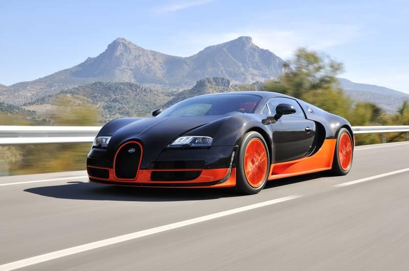 Купить фотообои для стен: Bugatti Veyron