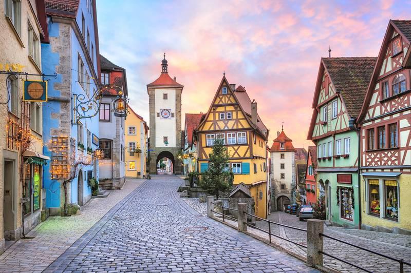 Купить фотообои для стен: Сказочный город