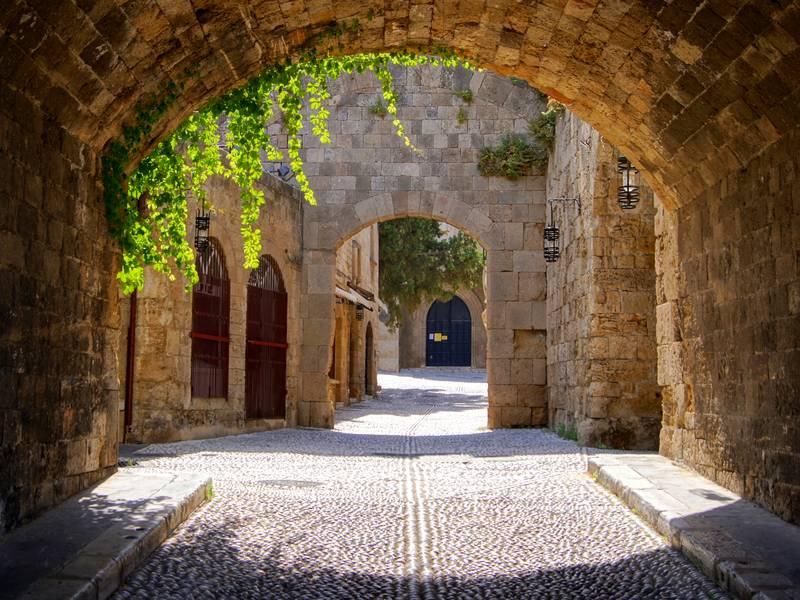 Купить фотообои для стен: Средневековая арка
