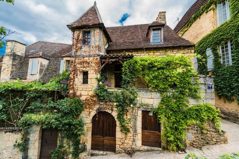 Купить фотообои для стен: В пригороде Парижа