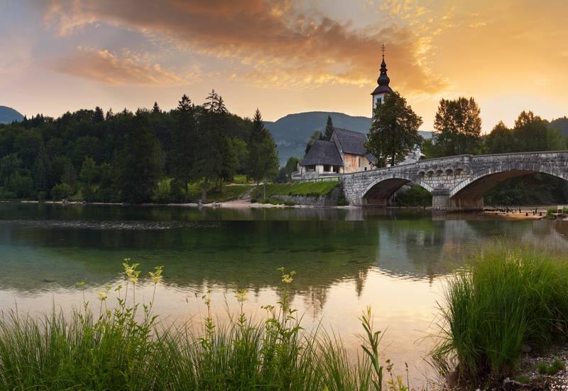 Купить фотообои для стен: Старый мост
