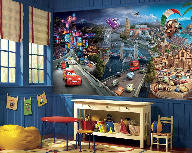 Фотообои в интерьере детской комнаты: фотообои тачки, машинки, герои Дисней, молния Маквин, Мэтр