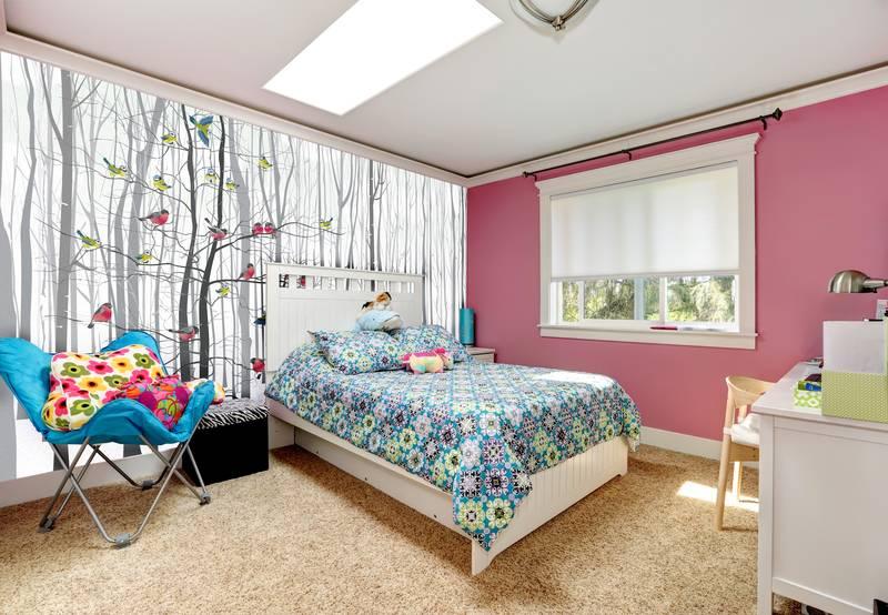 Фотообои в интерьере для спальни: фотообои лес, зимний лес, снегири, деревья, птицы, животные, скандинавский